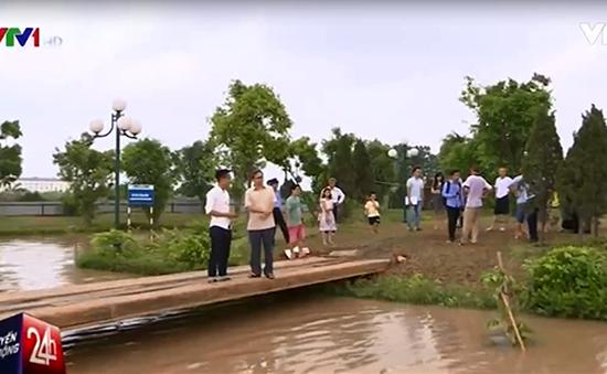 3 ngày sau mưa lớn, chung cư Hà Nội vẫn chưa thoát khỏi tình trạng ốc đảo
