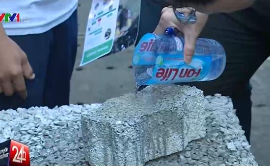 Gạch hút nước, robot điều khiển... tại Ngày hội sinh viên sáng tạo