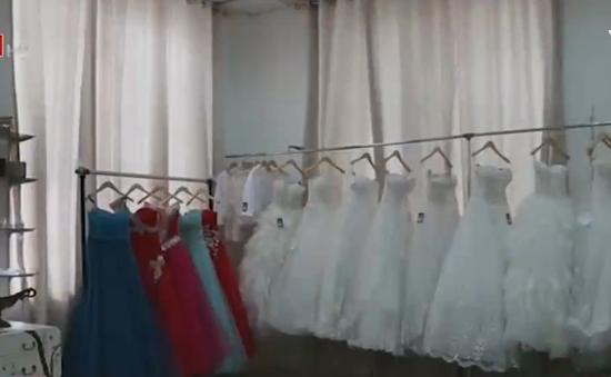 Độc đáo ngân hàng váy cưới từ thiện tại Jordan
