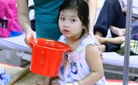 Gần 100 trẻ mầm non nhập viện nghi do ngộ độc thực phẩm