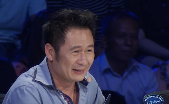 """Vietnam Idol: Bằng Kiều """"chết cười"""" vì vẻ đần của thí sinh"""