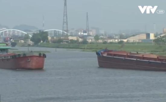 """Phát triển nóng, tuyến vận tải ven biển lâm cảnh """"thừa tàu, thiếu hàng"""""""