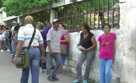 Đảng cầm quyền Venezuela kiện phe đối lập gian lận chữ ký