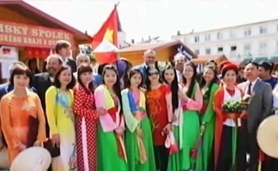 Lễ hội các dân tộc thiểu số của người Việt ở Ba Lan