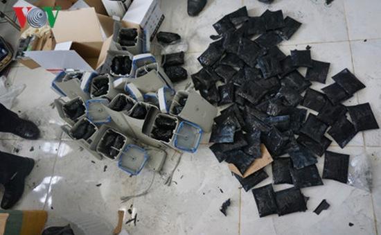 Tây Ninh: Bắt 15,8kg ma túy tổng hợp tại cửa khẩu quốc tế Xa Mát