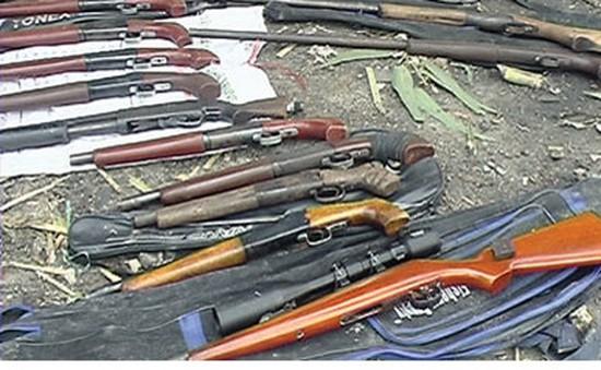 Bắt giữ khẩn cấp đường dây mua bán vũ khí xuyên quốc gia