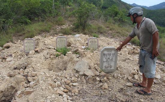 Yêu cầu làm rõ hơn vụ tự ý di dời hơn 100 ngôi mộ ở Khánh Hòa