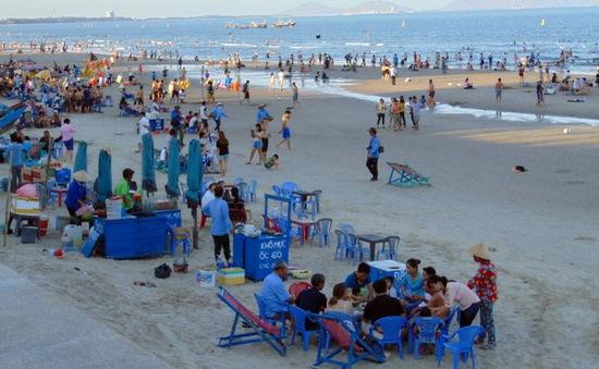 Vũng Tàu xử phạt hành chính trường hợp nấu nướng, ăn uống, xả rác dưới bãi biển