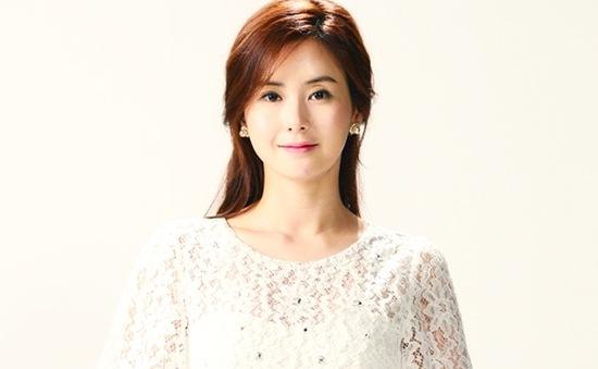 """Nữ diễn viên xinh đẹp của phim """"Bí mật ở Cheong Dam Dong"""""""