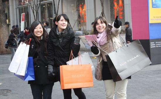 Hàn Quốc hoàn thuế tự động cho du khách nước ngoài