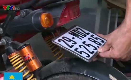 Người dân xếp hàng đăng ký xe máy điện trước kỳ hạn cuối