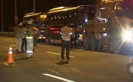 Ùn tắc cao tốc Hà Nội - Hải Phòng do tài xế phản đối tăng phí