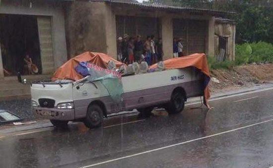 """""""Hung thần"""" xe ben tung hoành trên các tuyến phố tại TP.HCM"""