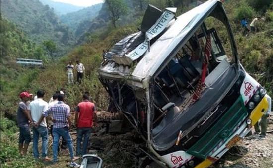 Ấn Độ: Xe bus lao xuống vực, ít nhất 30 người thiệt mạng