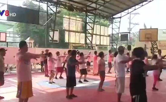Philippines: Cai nghiện ma túy bằng vũ điệu Zumba
