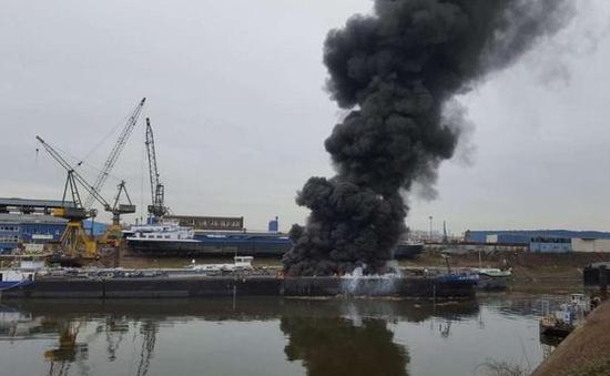Nổ tàu chở dầu ở Đức, ít nhất 2 công nhân thiệt mạng