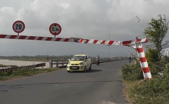 Phú Yên chậm khắc phục hư hỏng hệ thống tín hiệu giao thông sau bão