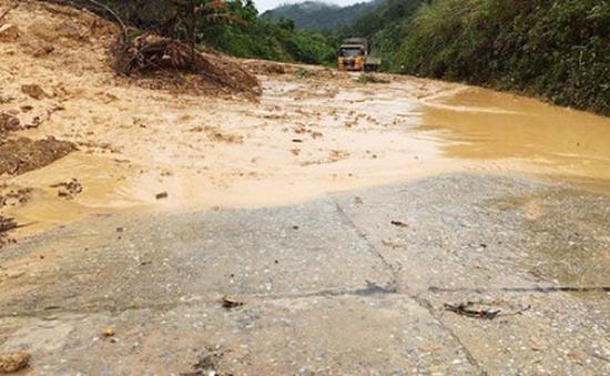 Nhiều vùng tại Hà Tĩnh tan hoang do mưa lũ