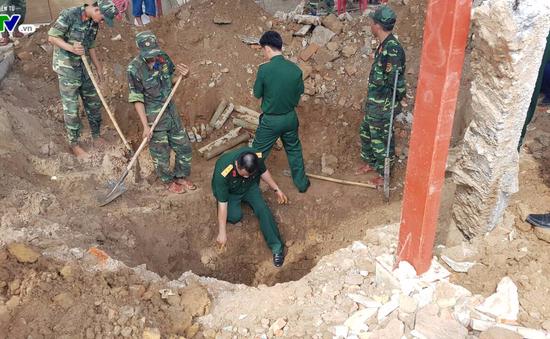 Quảng Trị: Phát hiện hài cốt liệt sĩ dưới hầm vũ khí còn sót lại sau chiến tranh