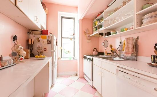 """""""Thổi bùng"""" đam mê nấu nướng với sắc hồng trong căn bếp"""