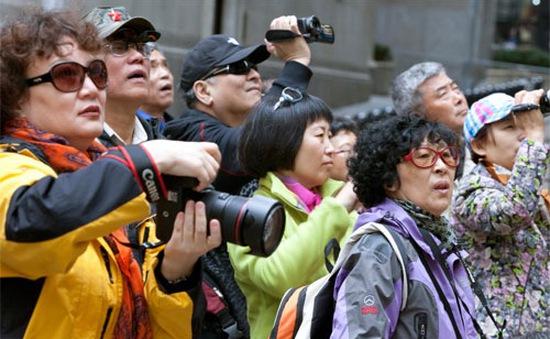 Đồng Yen giảm giá kéo lượng du khách tới Nhật Bản tăng kỷ lục