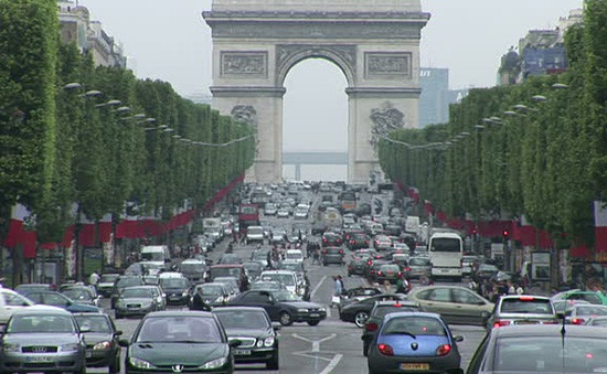 Vì sao Paris mất sức hút với du khách quốc tế?