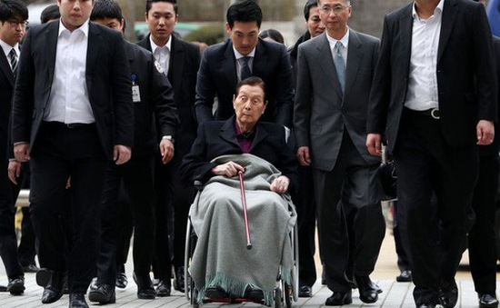 Nhà sáng lập tập đoàn Lotte đối diện án 10 năm tù