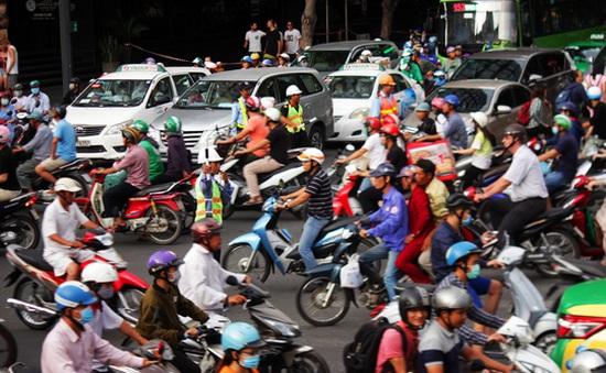 Người dân TP.HCM lúng túng khi điều chỉnh giao thông khu vực trung tâm