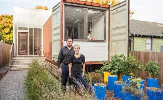 Ấn tượng nhà container có khoảng sân nhỏ
