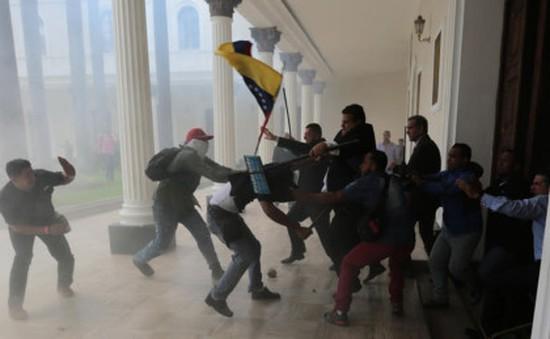 Venezuela: Trụ sở Quốc hội bị tấn công, ít nhất 12 người bị thương