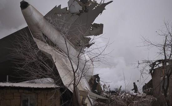 Tìm thấy hộp đen máy bay của Thổ Nhĩ Kỳ gặp nạn tại Kyrgyzstan