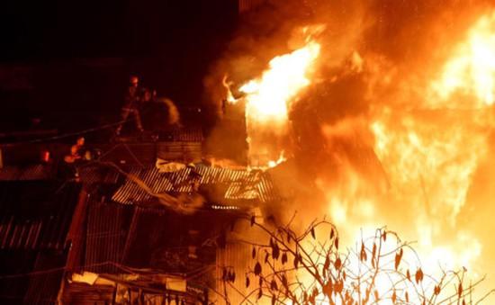 Philippines: Hỏa hoạn thiêu rụi 750 ngôi nhà tại Manila