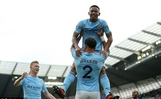 VIDEO Man City 7-2 Stoke: Sức mạnh khủng khiếp của hàng công chủ nhà