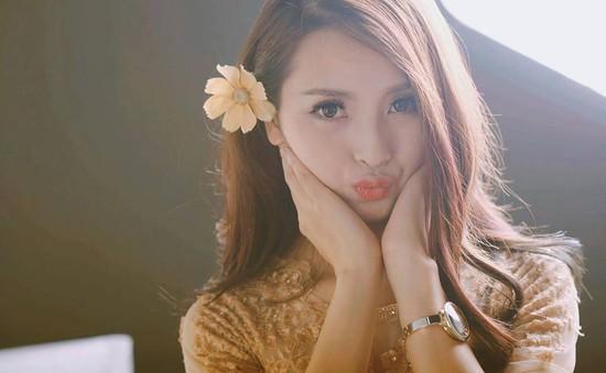 Mù Tạt Huyền Trang thay thế Quỳnh Anh Shyn ở 5S Online