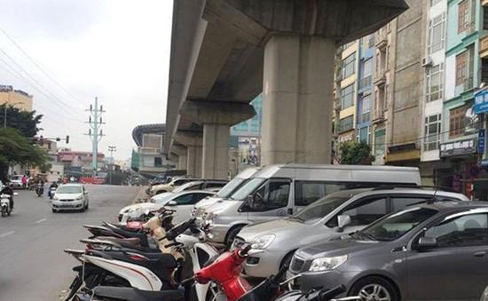 Nguy cơ mất an toàn giao thông, công trình tại các điểm kinh doanh, trông giữ xe dưới gầm cầu