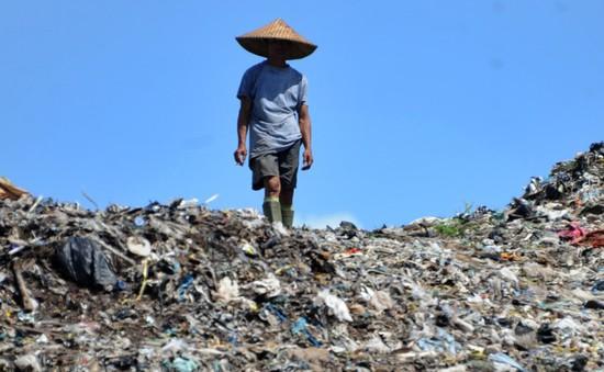 Indonesia sản xuất túi làm từ sắn để chống rác thải nhựa
