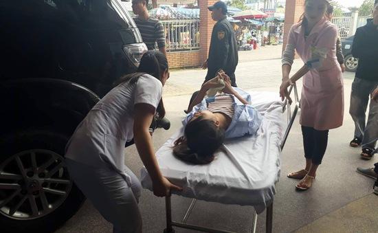 Hơn 40 công nhân nhập viện vì ngộ độc thực phẩm ở Nghệ An