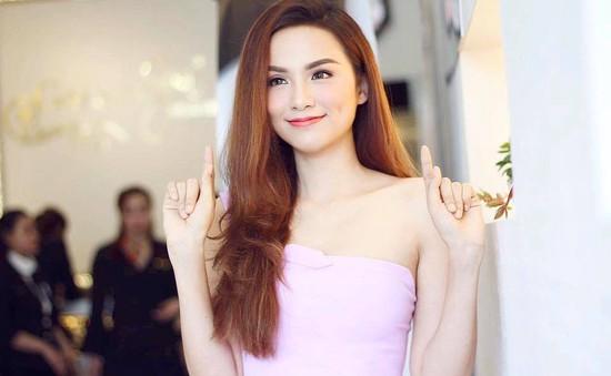 Hoa hậu Diễm Hương học lại đại học... sau 7 năm đăng quang