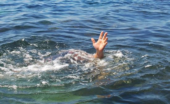 3 học sinh thiệt mạng do đuối nước khi đi tắm hồ