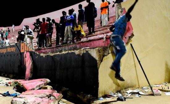 Senegal tạm ngừng mọi sự kiện văn hóa thể thao sau thảm kịch ở Dakar