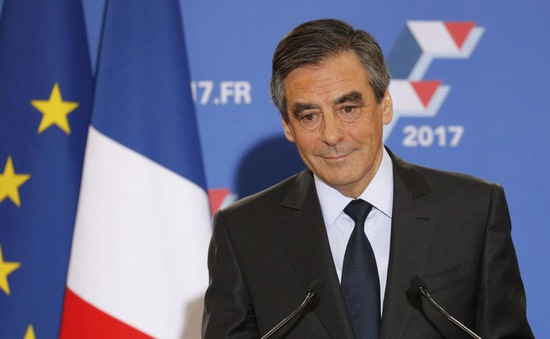 """Ứng viên Tổng thống Pháp dính bê bối tạo """"việc làm ma"""""""