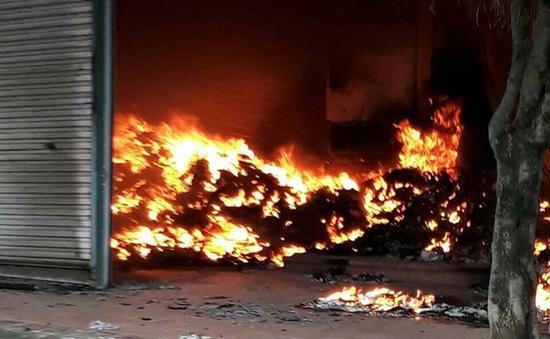 VIDEO Cháy dữ dội ở chợ Tân Thanh, Lạng Sơn