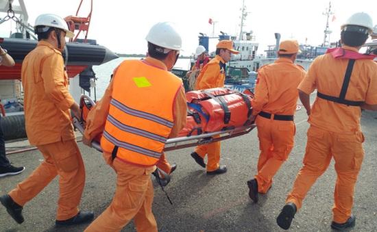 Cứu một thuyền viên Trung Quốc bị đột quỵ
