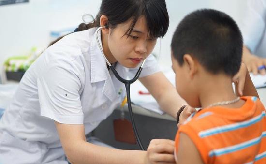 Chương trình TTCE hoãn khám sàng lọc tim bẩm sinh ở Thanh Hóa do bão số 10