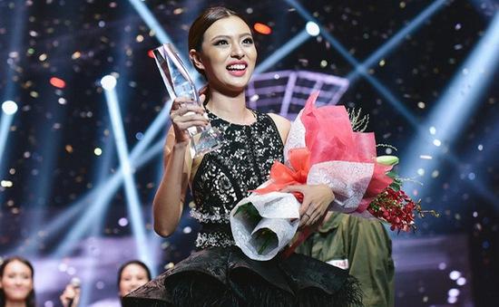 Tú Hảo đội Lan Khuê đăng quang quán quân The Face 2017