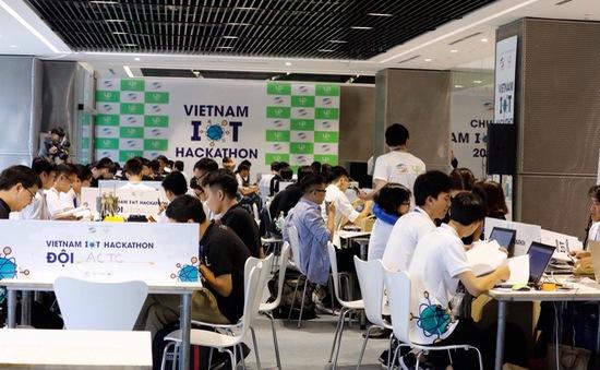 Đại học Lạc Hồng vô địch cuộc thi Vietnam IoT Hackathon 2017
