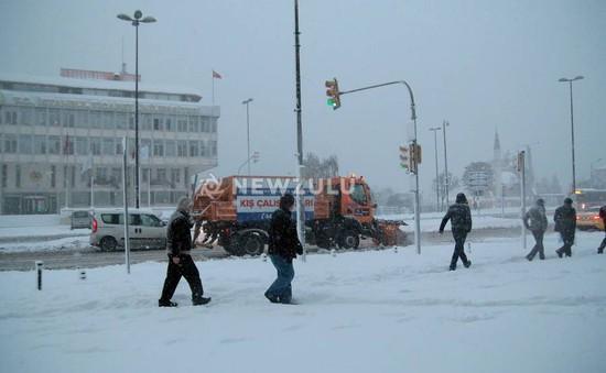 Bão tuyết làm tê liệt thành phố Istanbul của Thổ Nhĩ Kỳ