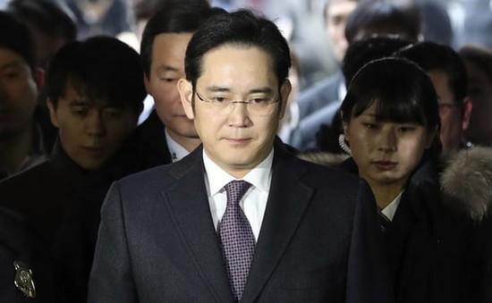 Hàn Quốc: Người dân kỳ vọng sự thay đổi sau khi Phó Chủ tịch Tập đoàn Samsung bị án tù