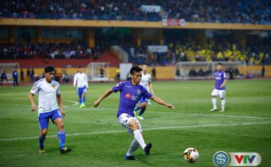 V. League 2017 vòng 25: CLB Hà Nội 1-0 CLB Quảng Nam, FLC Thanh Hoá 2-0 Sanna Khánh Hoà, Hải Phòng 1-2 HAGL