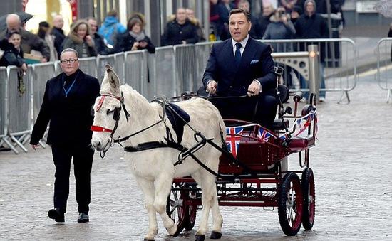 Britain's Got Talent khởi động mùa mới với màn chào đón của những... chú lừa